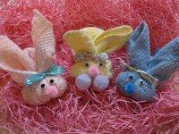 Идея для подарка: заяц из полотенца