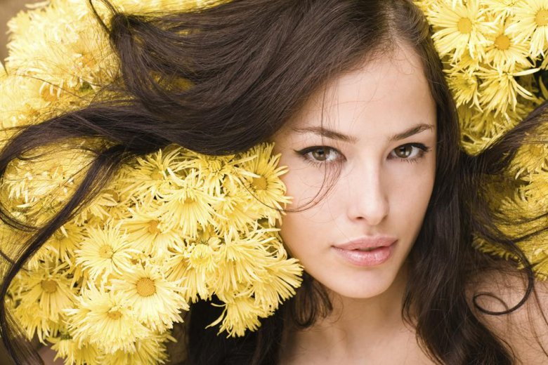 Уход за кожей лица летом: 3 главные процедуры