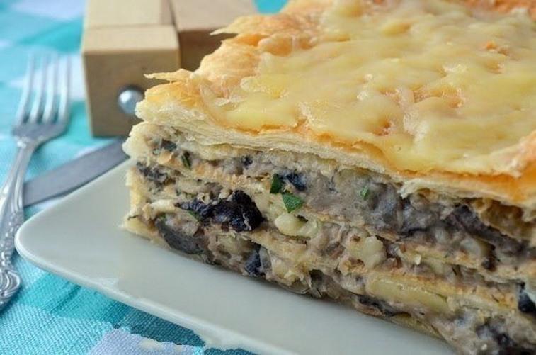 Закусочный торт Наполеон с грибами и курицей
