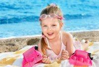 Как научить ребенка плавать