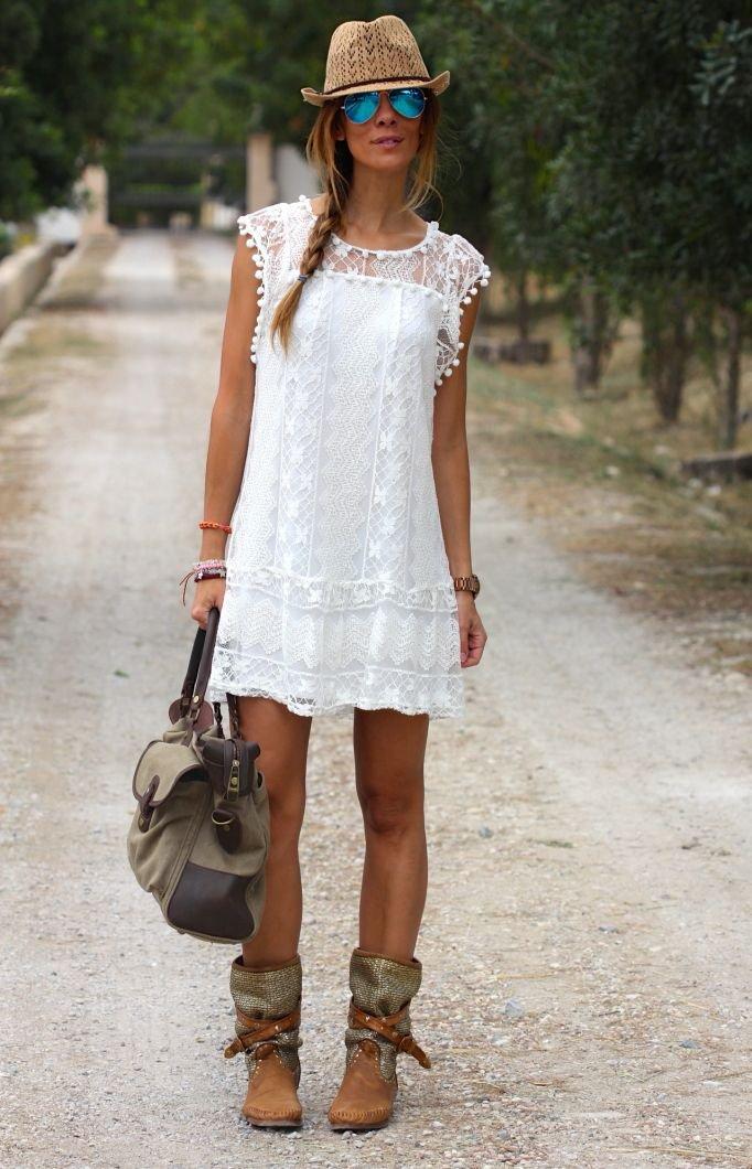 Как носить кружевное платье
