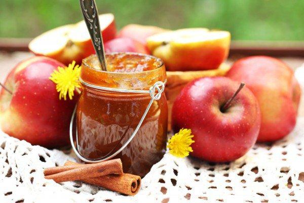 Яблочное варенье с корицей