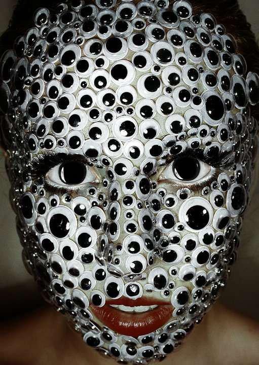 «Глазастый» макияж на Хэллоуин