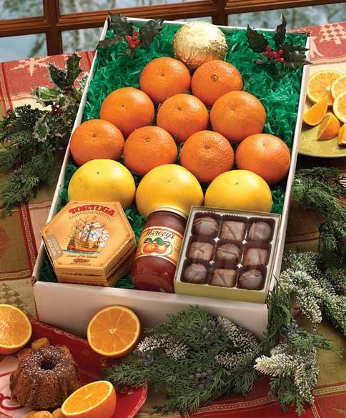 Идея новогоднего подарка: елочка из апельсинов