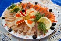 Как оформить рыбную нарезку к новогоднему столу