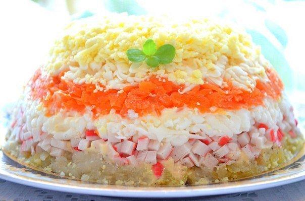 Салат с крабовыми палочками «Нежный»