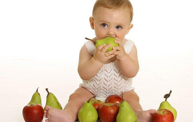Почему детям надо почаще есть груши