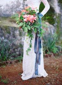 Свадебный букет с лентами